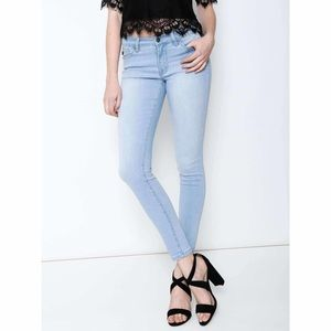 {KanCan} Light Wash Skinny Jeans